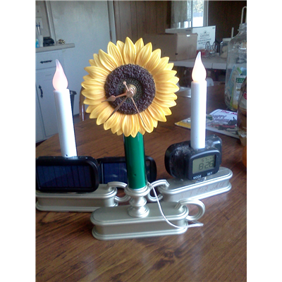 Solar Sunflower Clock with Magnetic contact Solar Charger